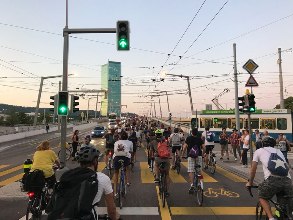 Langsamverkehr Stadt Velo Cirtical Mass Zürich Fahrrad Verkehr