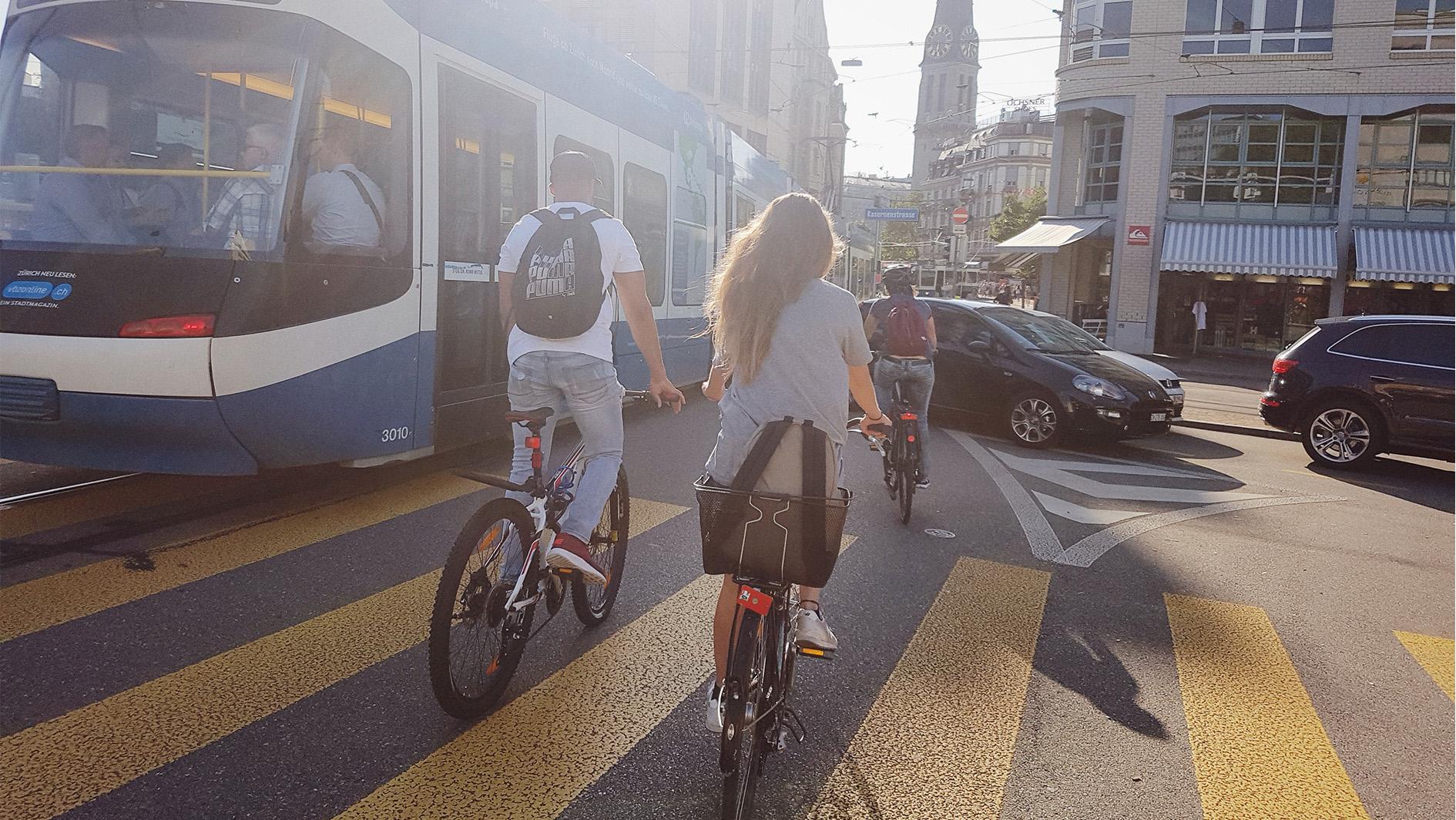 Velofahren in Zürich ist doppelt so gefährlich wie in Bern.